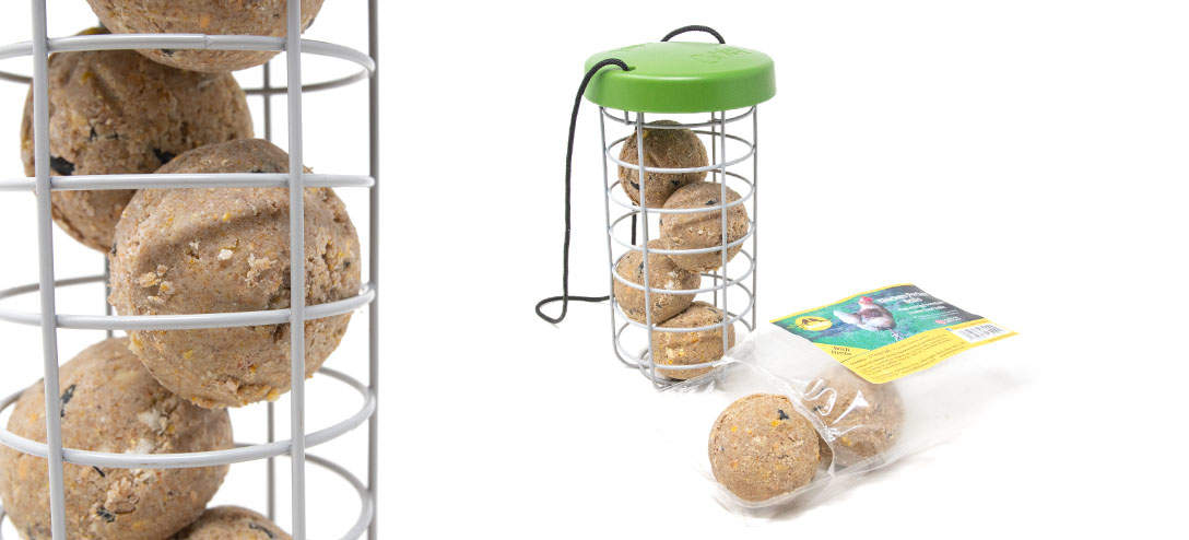 Feldy Chicken Pecker Balls have been developed especially for use with the Caddi Treat Holder and feature added calcium for the production of top quality eggshells