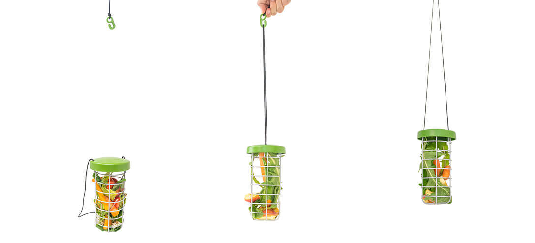 Thanks to the adjustable nylon string and convenient plastic hook, the Caddi can be hung almost anywhere. Refilling, cleaning or moving the rabbit feeder is also a breeze!