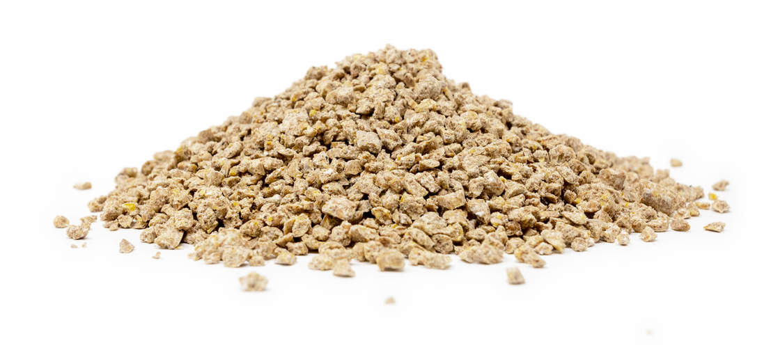 Organic Omlet Chicken Feed, available in bags of 10 kg