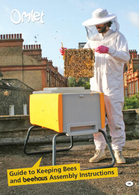 "Manuel d'apiculture (en anglais) ""Omlet Guide to Keeping Bees and Beehaus Instructions"""