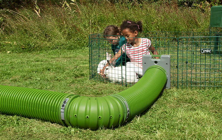 Combine the Zippi Tunnel with a Zippi Playpen to create the perfect interactive play space