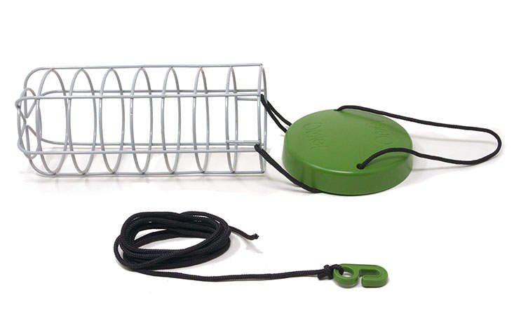 Heavy duty welded steel makes the Caddi Rabbit Feeder both strong and durable. It also features a waterproof rain cap