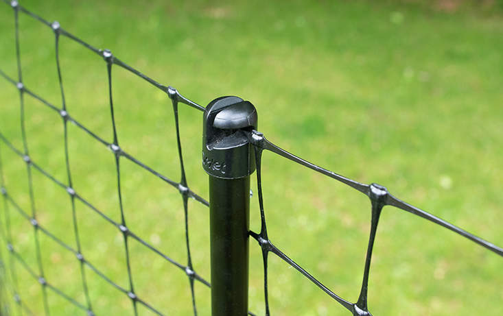 The clever design of the pole hooks makes assembling your chicken fence quick and easy
