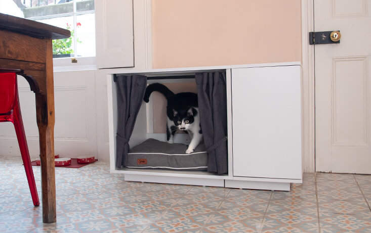 The removable bed makes the Maya Nook cat furniture really easy to keep clean. Why not treat your kitty to the cat bed of their dreams?