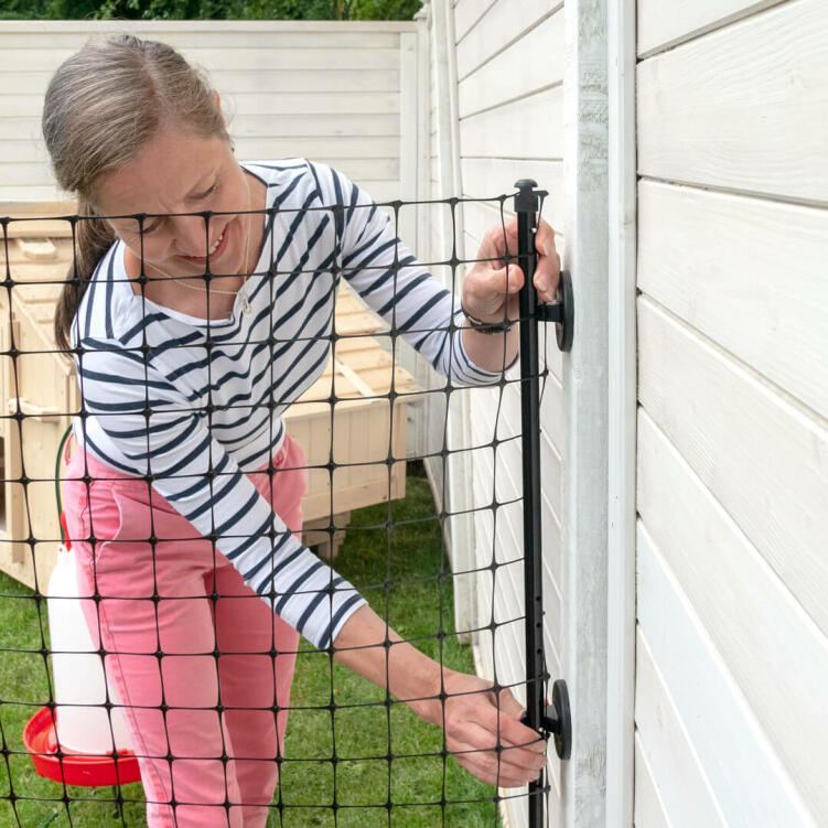 The new Wall Connection Kit for Omlet Chicken Fencing is the simple way to connect your fencing with an existing wooden fence.