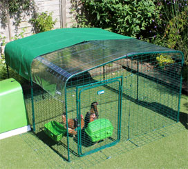 Omlet walk in cat run with clear and green roof covers.