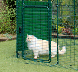 Omlet walk in cat run with heavy duty side cover.