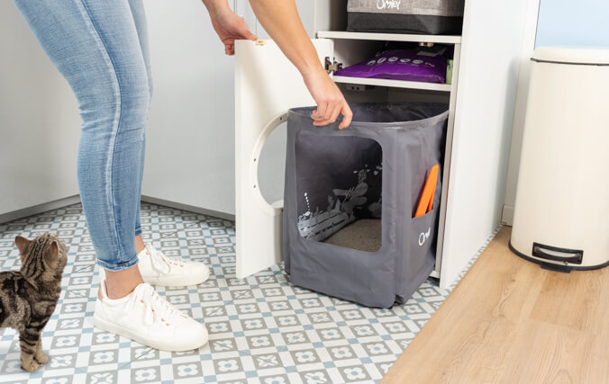 The Maya Cat Litter box is an all in one, hygiene solution.
